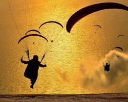 paraglidingKalamata.jpg